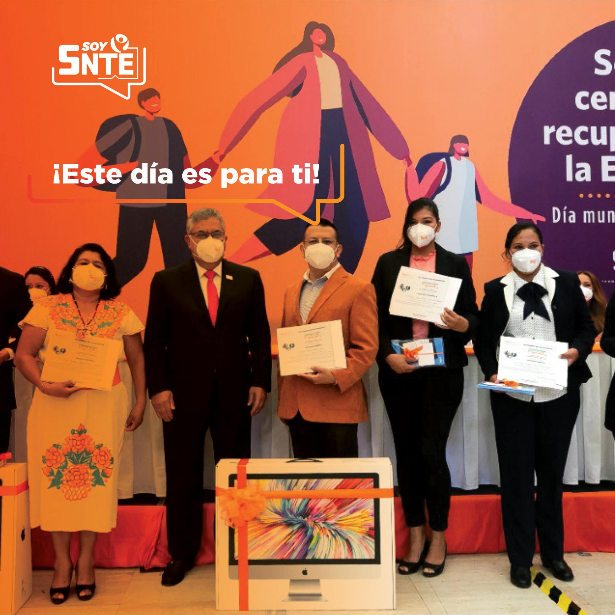 Premiación en el Día Mundial de los Docentes